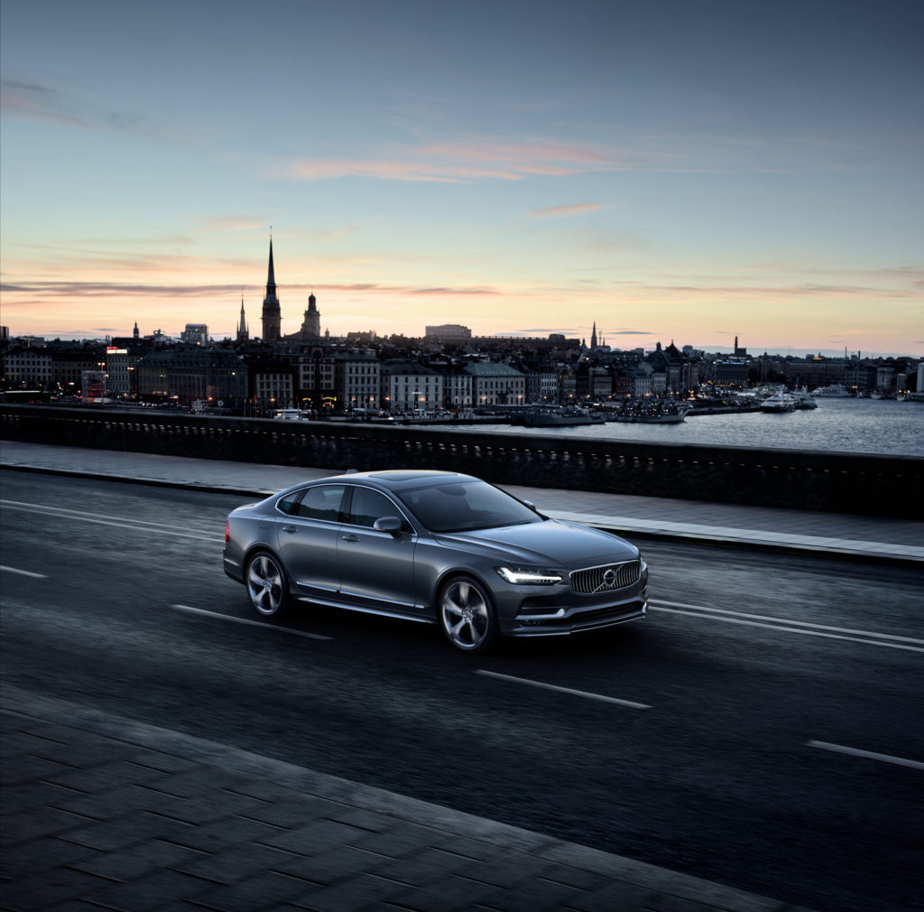 Volvo S90 presented with accessories
